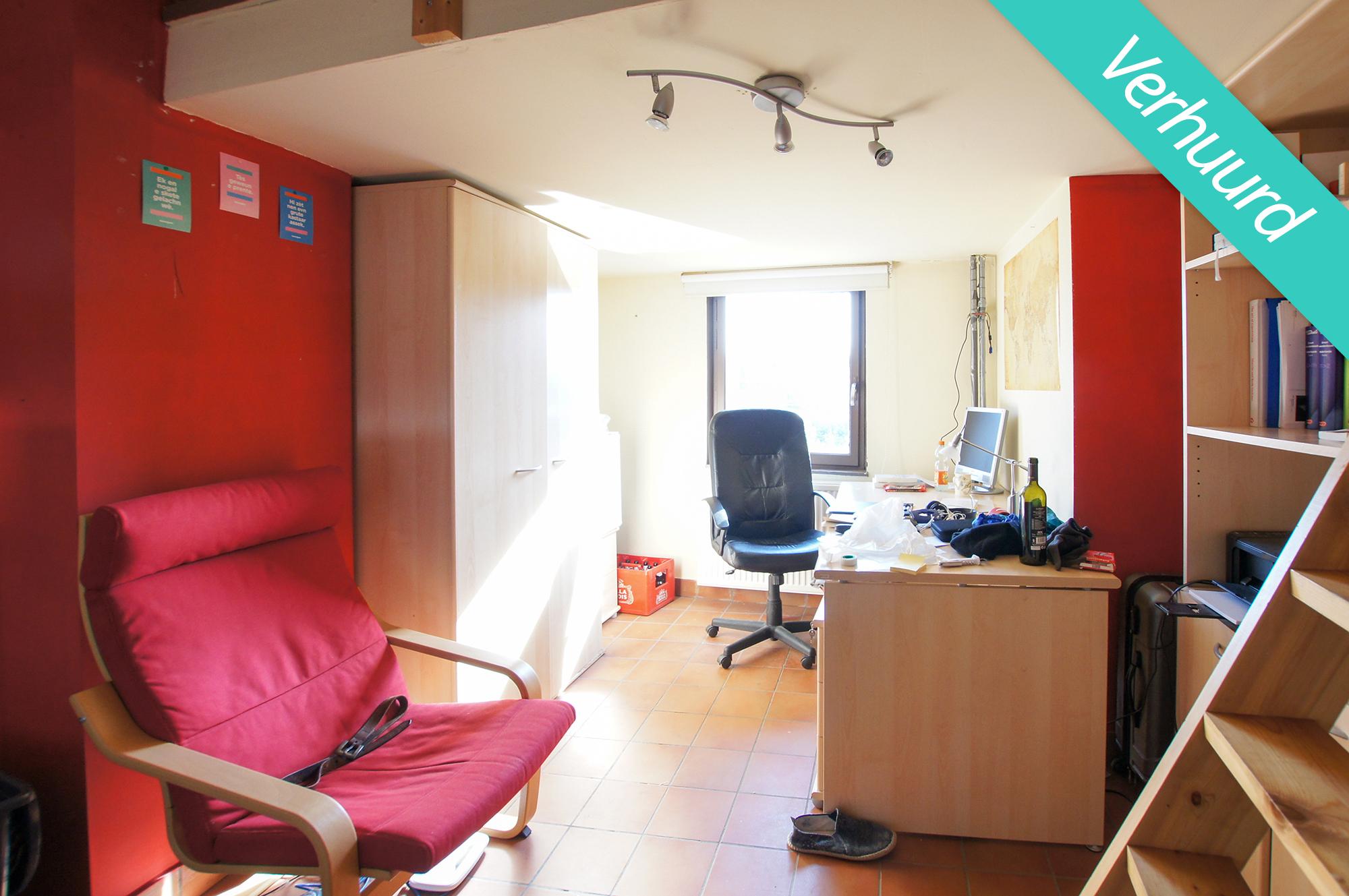 Kamer 8 - Edward van Evenstraat 10-12 - kot verhuurd