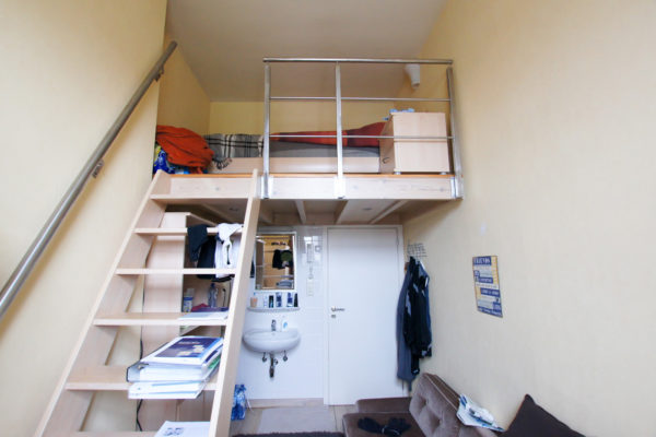 Kamer 5, Frederik Lintsstraat 52, foto 001